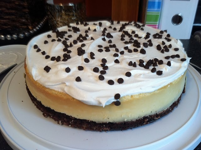brownie chocolate chip cheesecake | Desserts | Pinterest