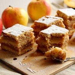 Layered apple pie. by Rilantro | R E C I P E | Pinterest