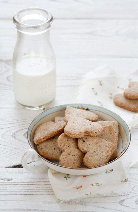 Hazelnut Cookies - http://matkonation.com/en/sweets/hazelnut-cookies/