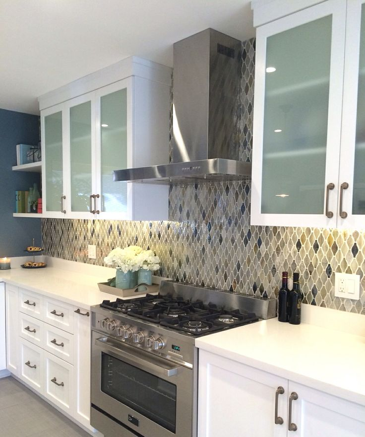 White cabinets with frosted glass | Kitchen | Pinterest