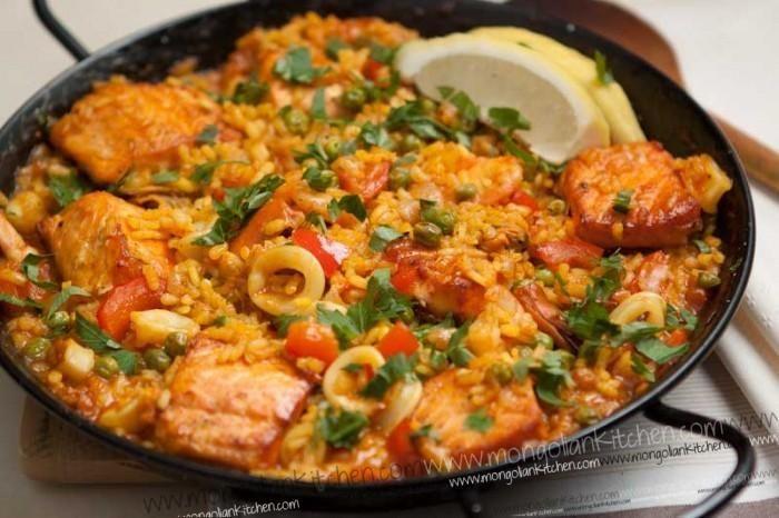 Seafood Recipes : Salmon Paella Recipe | Yummy Recipes | Pinterest