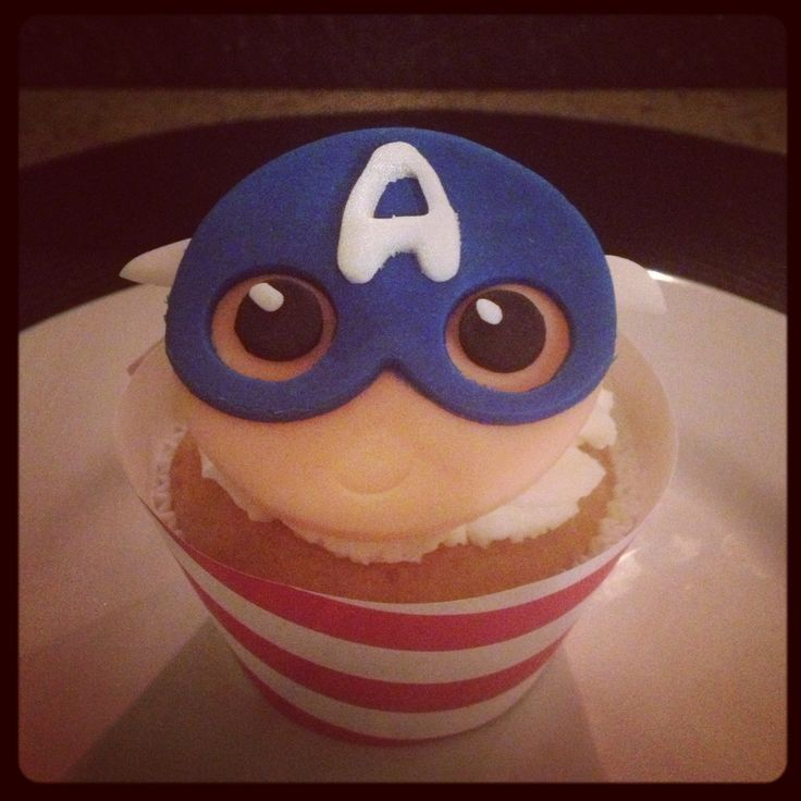 Captain America Cupcake...Loved making these for Mason!