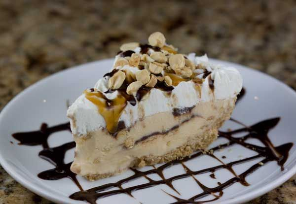 Tin Roof Sundae Pie | Ice Cream | Pinterest
