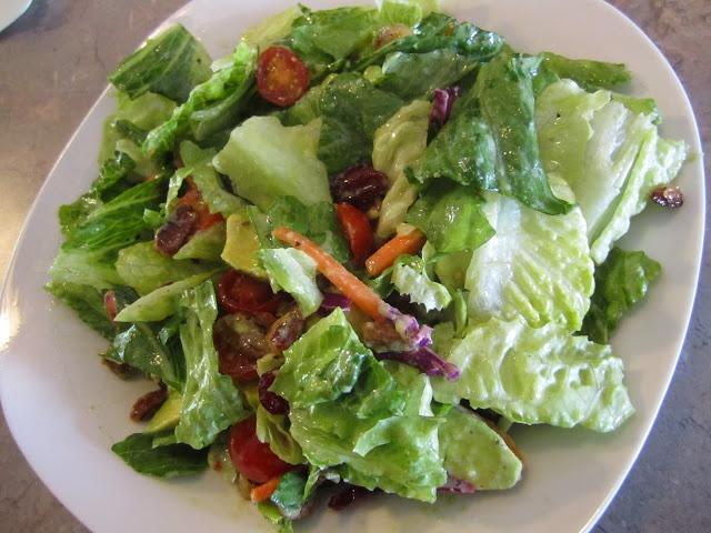 ... Farmer's Wife: Avocado & Dried Cranberry Salad with Citrus Vinaig...