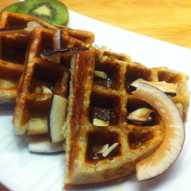 Banana Waffles | Gluten-free & Paleo | Break the Fast | Pinterest