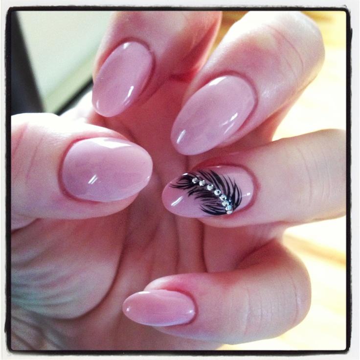 nails. Nude of a feather. :) gel polish. | La Beauté. Nails
