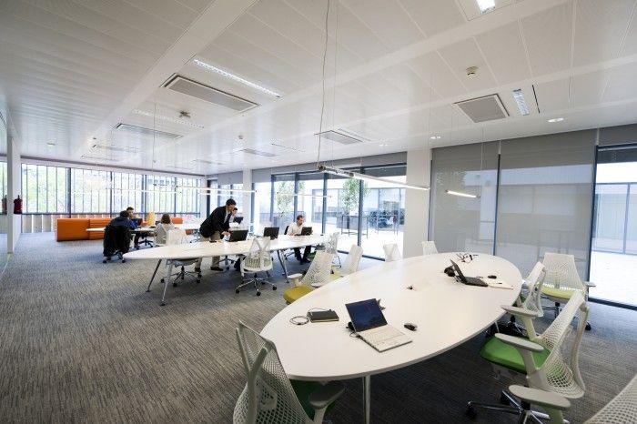 Inilah 25 desain kantorterbaik di tahun 2013 - Evo bank oficinas ...