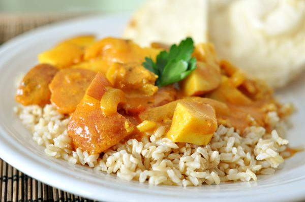 Coconut Chicken Curry. Subbed 1/2 Tbsp. garlic/ginger paste for the ...