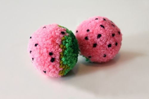 strawberry pom pom
