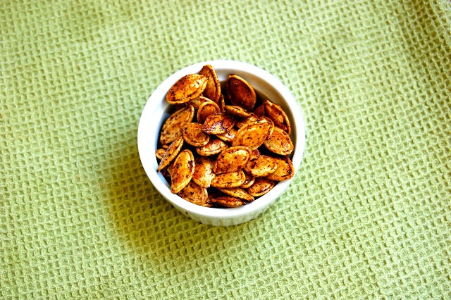 Sweet and Spicy Roasted Pumpkin Seeds | Recipes to Try | Pinterest