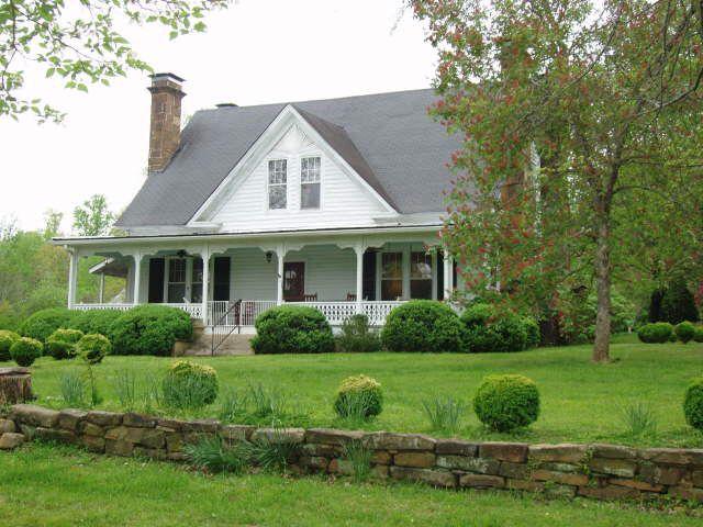 Old white house in menlo ga farmhouse love pinterest