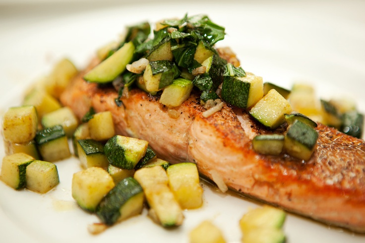 Salmon with Zucchini & Basil