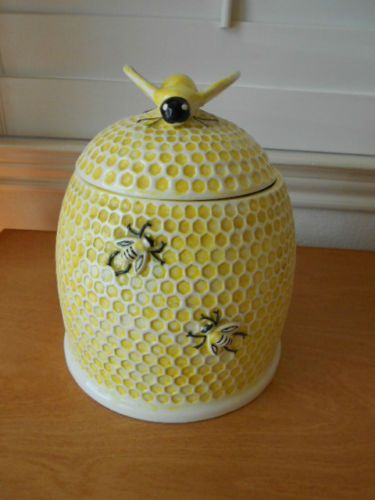 Vintage arnel 39 s bee hive japan cookie jar bee knob 91 2 x 8 39 - Beehive cookie jar ...
