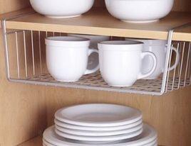 Acessório em metal ajuda a organizar e preservar as xícaras