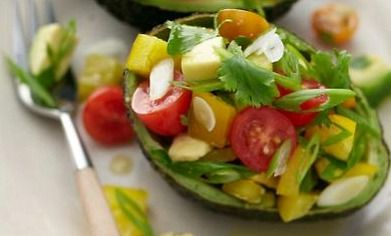Avocado with Bell Pepper & Tomato | Veggie Meals | Pinterest