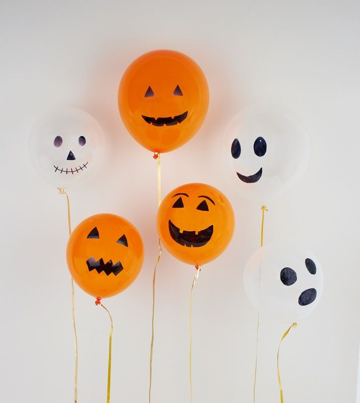 Halloween Craft Balloons, draw on balloons with permanent marker. Competition for the scariest (or funniest)!