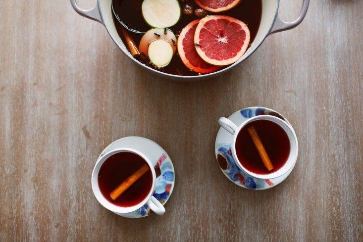 mulled apple cider with a secret ingredient | gardenista