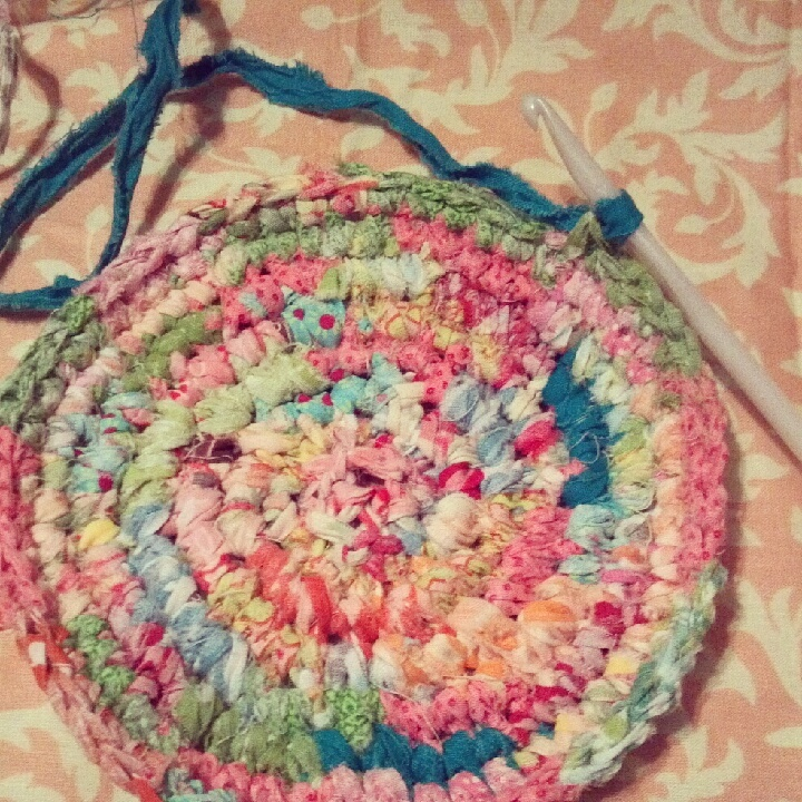 Crocheting On Fabric : crochet with fabric strips Craft Ideas Pinterest