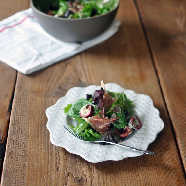 proscuitto salad zoomout Cherry and Prosciutto Salad with Creamy ...