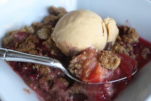Plum Oatmeal Crumble | Sweets Good Enough to Eat | Pinterest