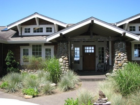 Pin by julie edwards on home pinterest for Beach house rentals cannon beach