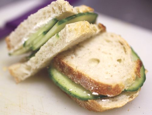 Cucumber sandwiches- easy to make!   FOOD   Pinterest