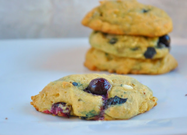 Blueberry & white chocolate chip cookies | Sweets | Pinterest