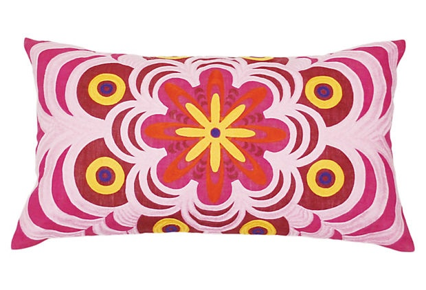 Pretty lil' pillow!  Maybe my design inspiration for Chelita's bedroom!