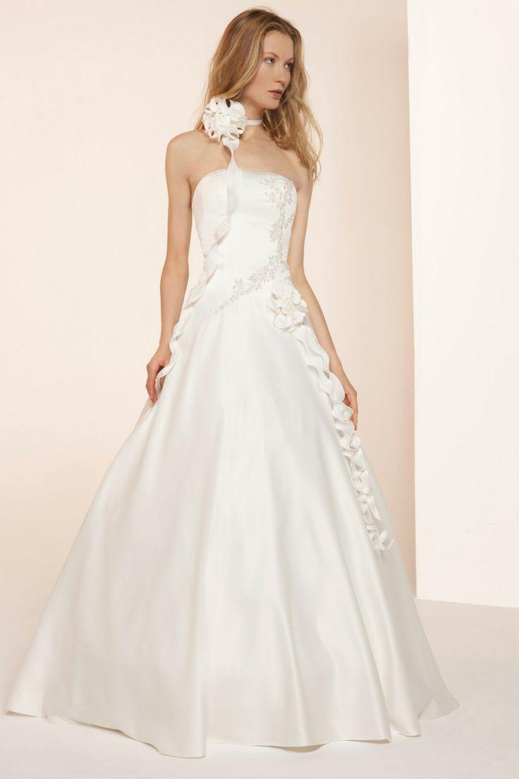 Robe de mariée chez Tati. Economisez 3% via eBuyClub : http://www ...