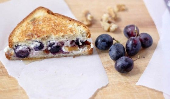 Grilled Goat Cheese Sandwich with Honey-Roasted Grapes and Walnuts ...