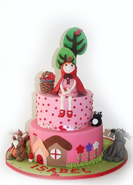 little red riding hood cake - suited for the woodland riding hood party.