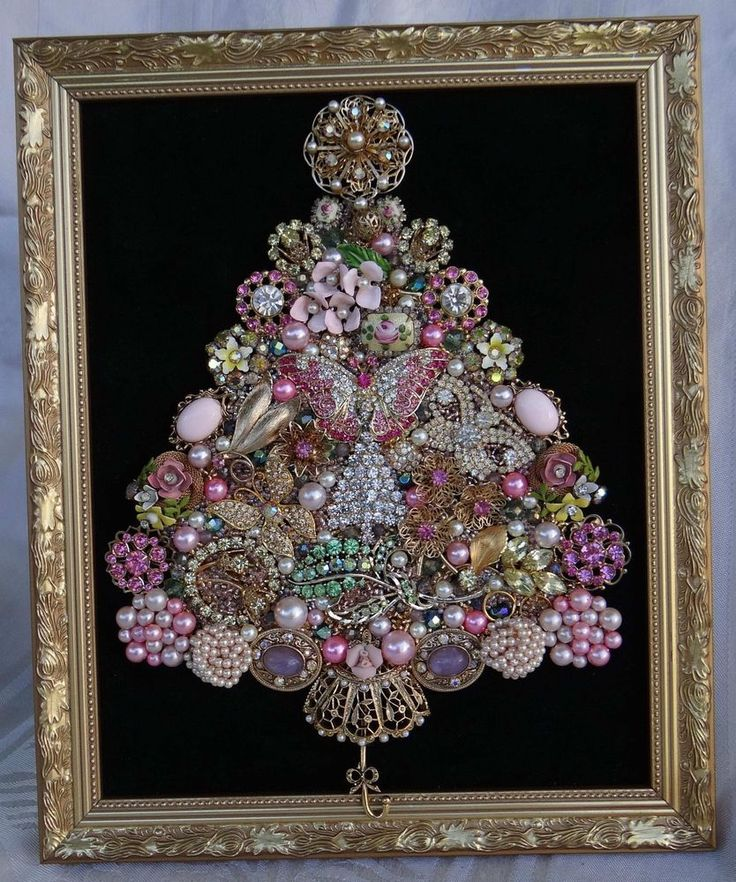 VINTAGE JEWELRY CHRISTMAS TREE FRAMED ART! GOLD-TONE* PINK* GREEN* IVORY+PEARLS! #Handcrafted
