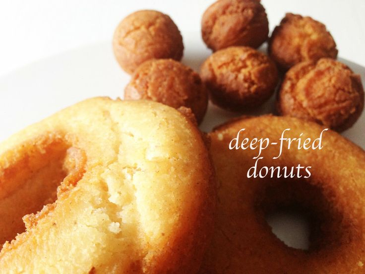 Homemade Traditional deep-fried donuts | Deep fried foods | Pinterest