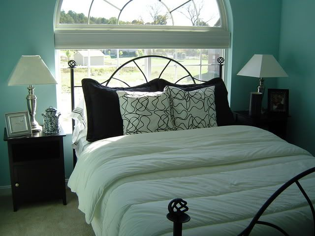 be sure to see our sassy tiffany blue bedroom home decor