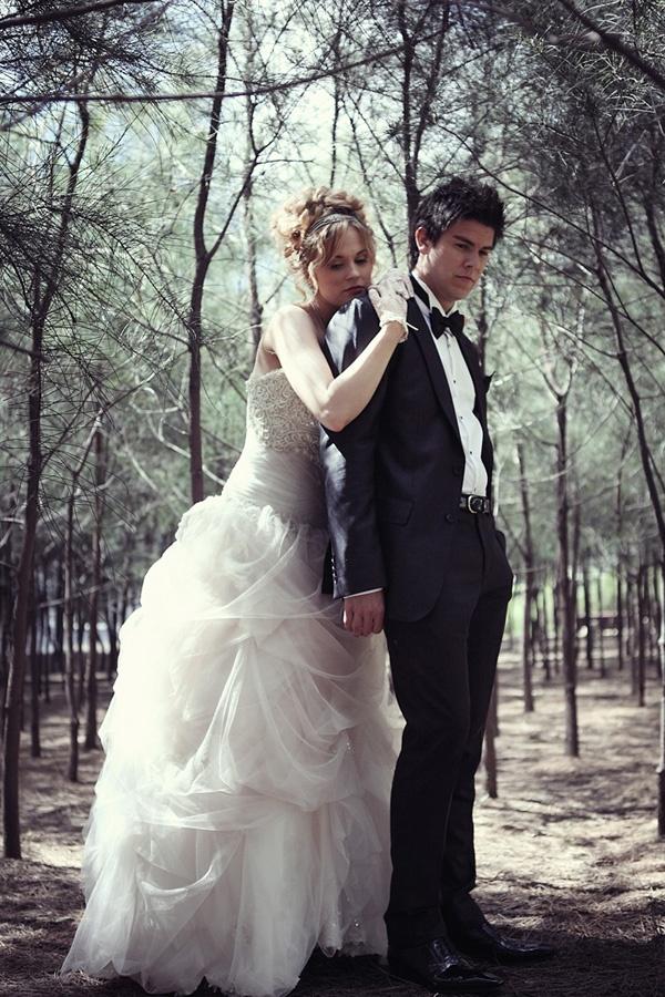 Rock n roll inspired wedding dresses for Rock n roll wedding dress