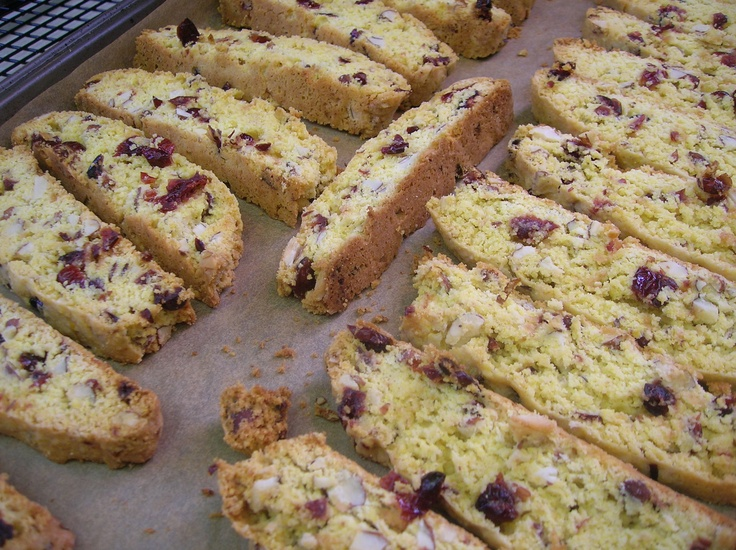 Cranberry-Almond Cornmeal Biscotti | My Creative Mommy | Pinterest