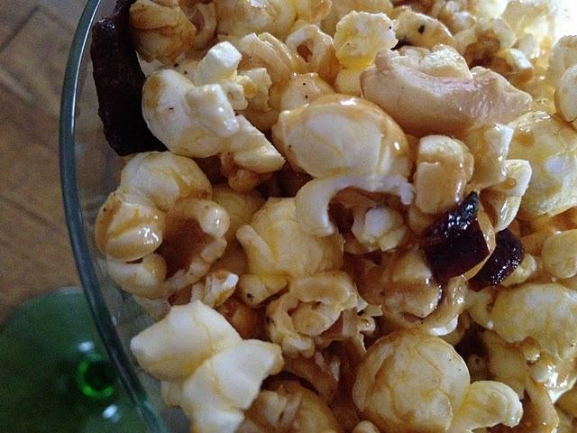 Bacon Cashew Caramel Popcorn (aka heaven!)