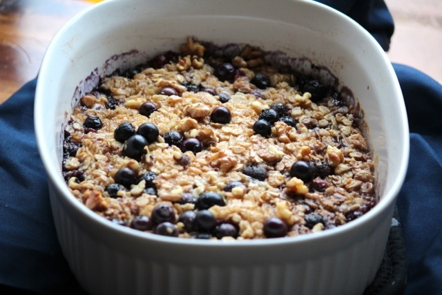 Blueberry Banana Baked Oatmeal Ingredients 2 ripe bananas, sliced 3/4c ...