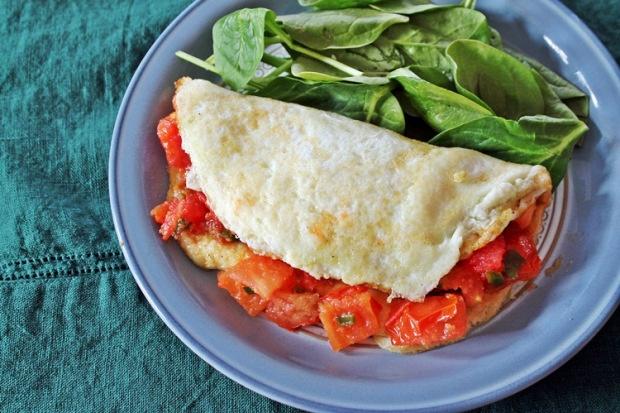 Garlic tomato + egg white omelet | Noms | Pinterest