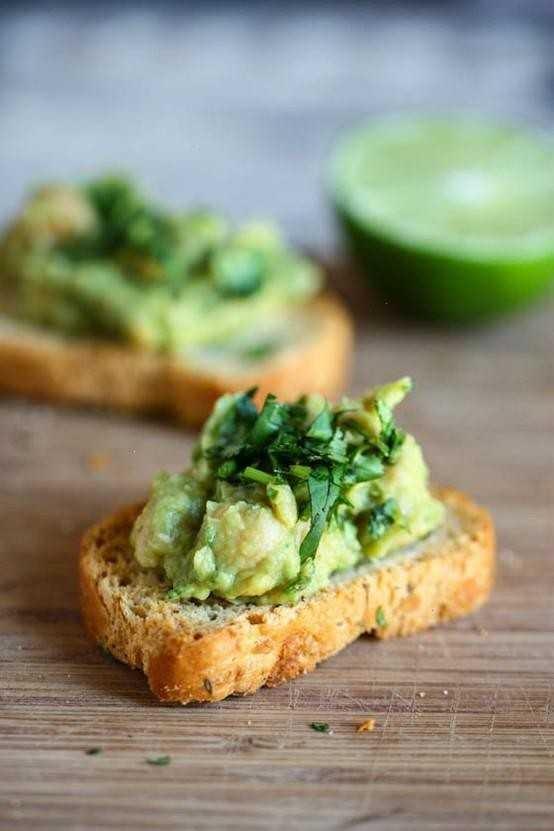Spicy guacamole hummus dip | Party Food Ideas | Pinterest