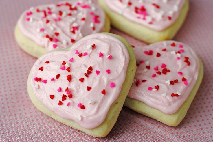 Soft Sugar Cookies {Lofthouse-Style} | Valentine's Day | Pinterest