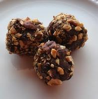 ... About Christmas – Hazelnuts and Chocolate Hazelnut Truffles Recipe