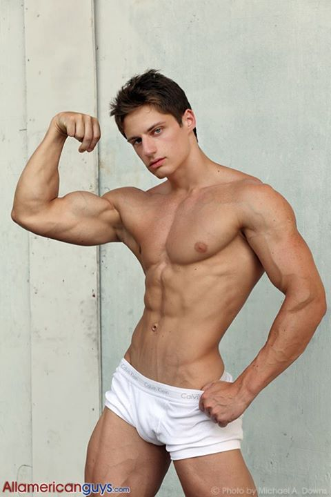 See the muscle and you can tell how hard he fucks his wife 2