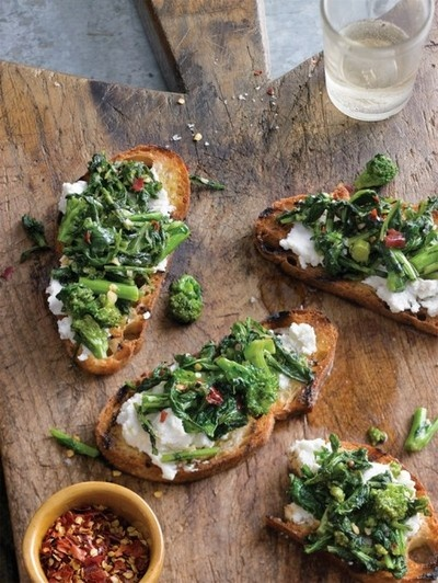 Spicy Broccoli Rabe Bruschetta | food for the soul