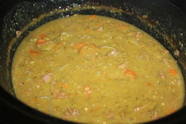 Slow Cooker Split Pea Soup | Crockpot meal | Pinterest