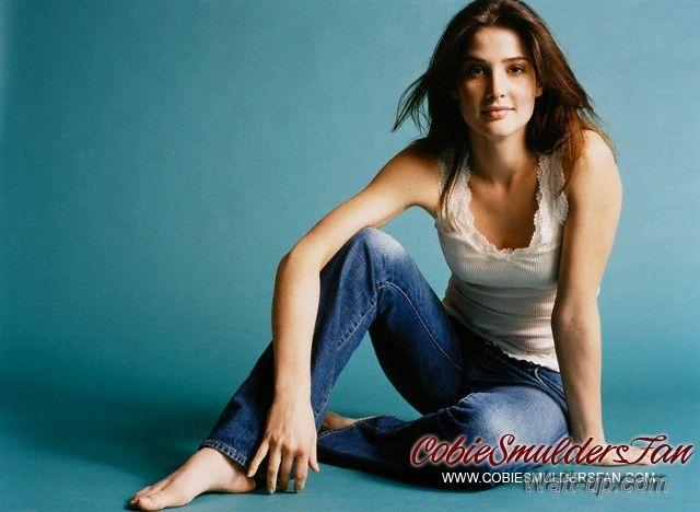 cobie smulders jeans