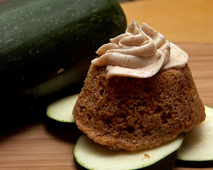 Zucchini Cupcakes with Cinnamon Cream Cheese frosting