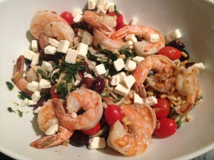 Easy Spinach and Shrimp Pasta with pine nuts and feta