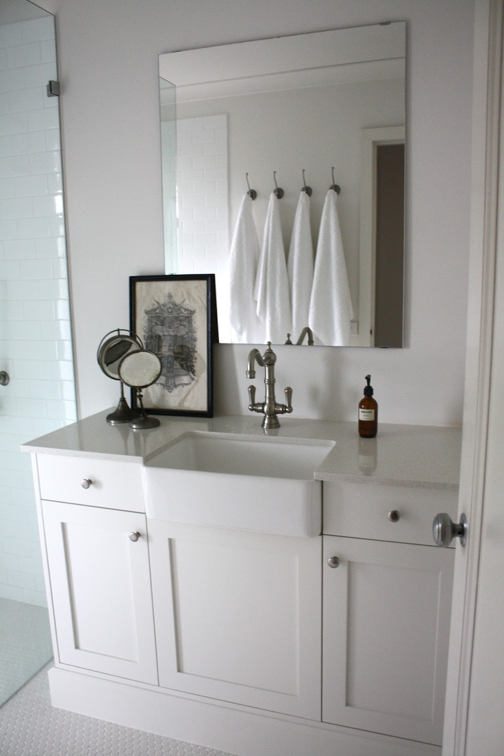 Bathroom Farm Sink : Farmhouse Sink in a Bathroom Bathroom Inspiration Pinterest