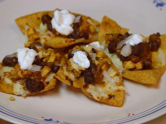 Chicken and Black Bean Nachos Food | ~APPETIZERS~ | Pinterest